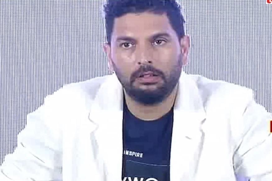 भारतीय संघाचा दिग्गज ऑलराऊंडर युवराज सिंगनं आज आंतरराष्ट्रीय क्रिकेटमधून निवृत्ती जाहीर केली. दरम्यान यावेळी त्याची पत्नी हेजल कीच आणि त्याची आई शबनम सिंग यावेळी उपस्थित होत्या.