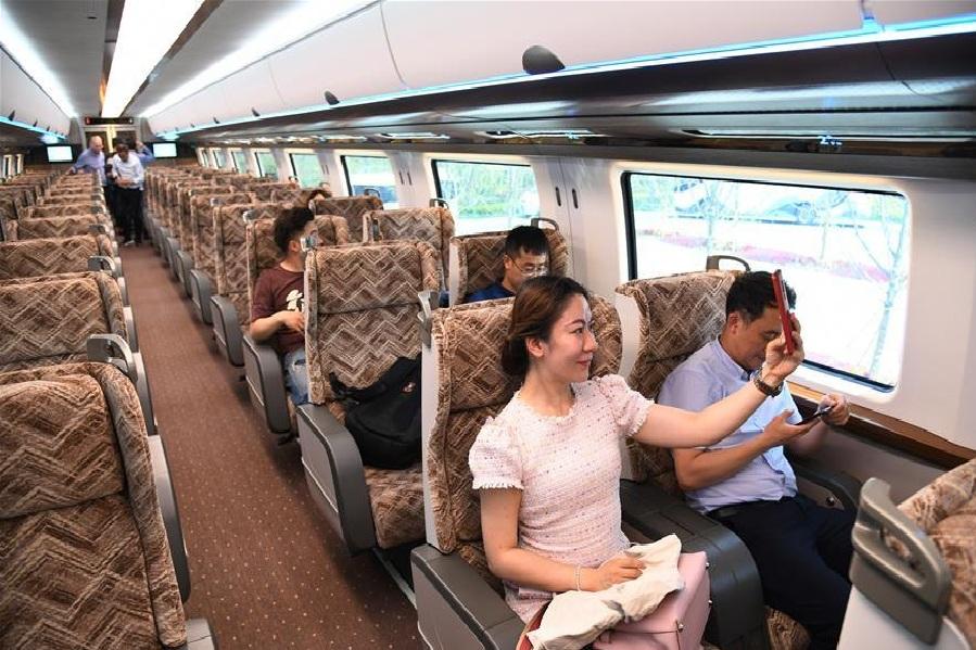 या ट्रेनची प्रवासी क्षमता ही जास्त असून, तिचा मेंटेनन्स खर्चसुद्धा कमी असल्याचं किंग्ज सांगतात.