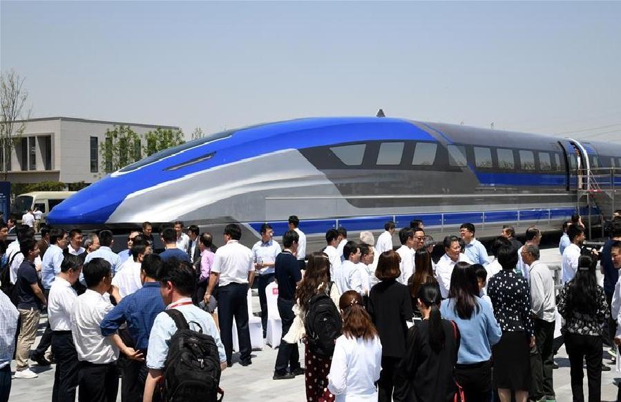 ही देशातील सर्वाधिक वेगवान मॅग्लेव्ह ट्रेन असल्याचा दावा चीनने केला आहे. ही ट्रेन तयार करण्यासाठी ३ वर्ष लागली असं निर्मात्या कंपनीचचे चीफ इंजिनीअर डिंग सेन्सन याचं म्हणणं आहे.