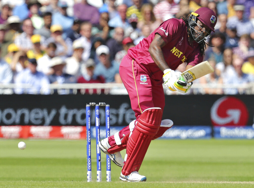 गेल नंतर कर्णधार जेसन होल्डरने 36 व्या आणि 38 व्या षटकात अॅडम झाम्पाच्या गोलंदाजीवर डीआरएस घेतला. त्यावेळी पंचांनी पायचित दिलं होतं पण डीआऱएसमुळं पंचांना निर्णय बदलावा लागला.