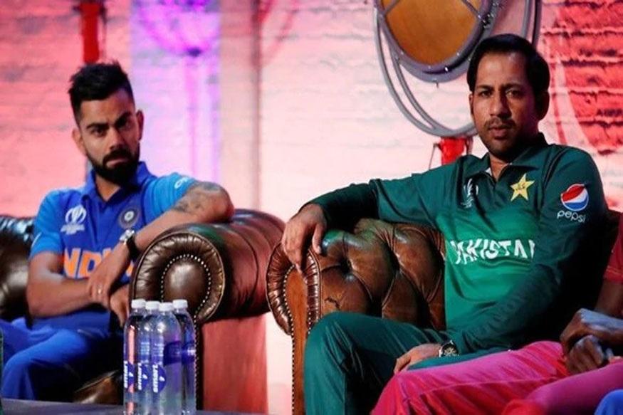 ICC Cricket World Cup स्पर्धेत भारताने पाकिस्तानला पराभूत केल्यानंतर पाकच्या खेळाडूंवर चाहत्यांनी खूप टीका करायला सुरूवत केली आहे. संघात गट पडल्याचं पाकिस्तानी माध्यमांनी म्हटलं आहे.
