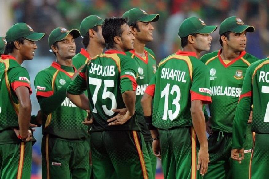 2006च्या वर्ल्ड कपमध्येही बांगलादेश संघाने आपली ताकद दाखवली तीही बलाढ्य भारतीय संघसमोर, द्रविड पासून सचिन पर्यंत सर्वाना थक्क करणारा हा निकाल होता. बांगलादेशने भारतीय संघाला 5 विकेटने नमवत थेट वर्ल्ड कपच्या बाहेर केले होते.
