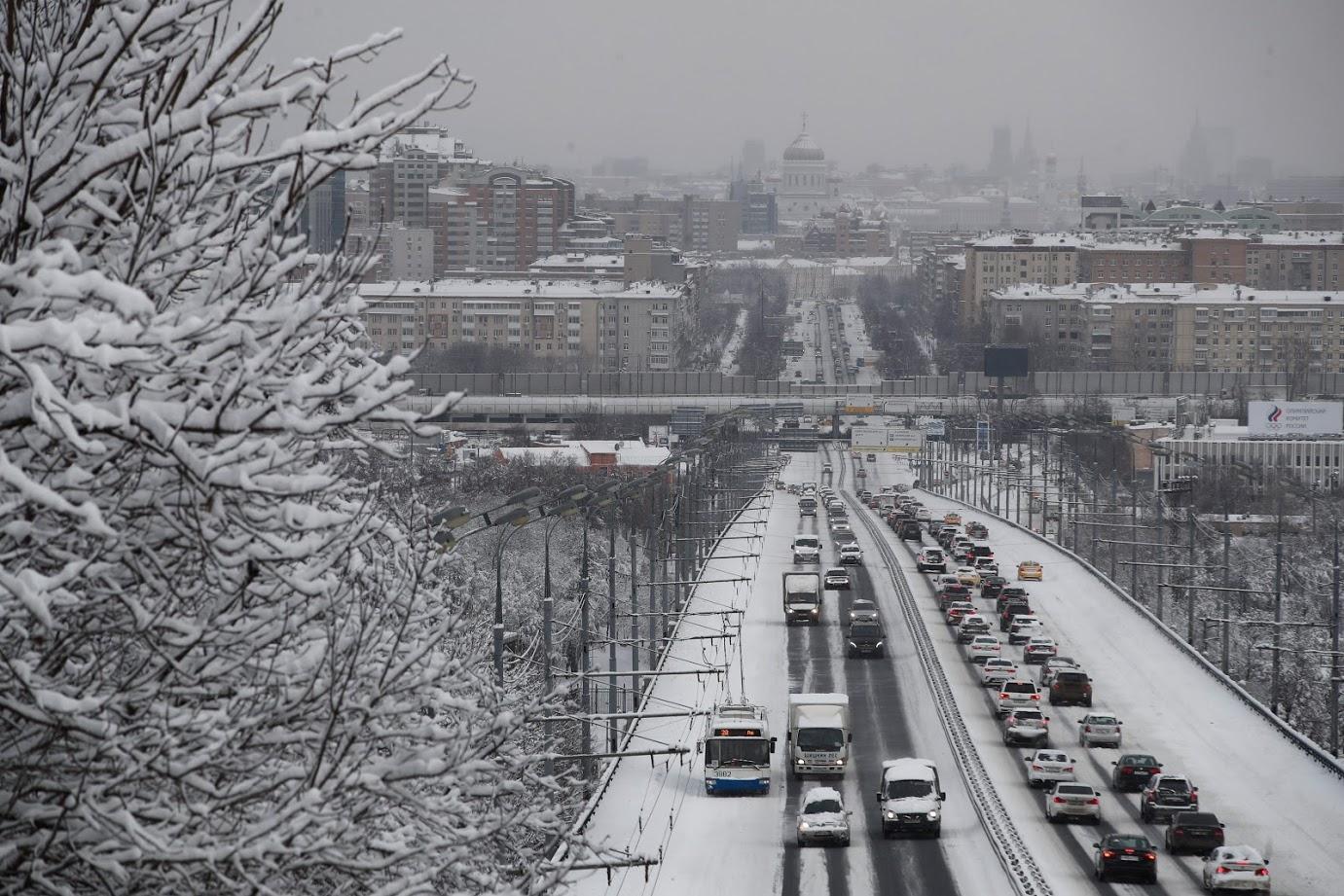 रशियाची राजधानी मॉस्को हे यादीत पाचव्या स्थानावर आहे. एका ठिकाणाहून दुसऱ्या ठिकाणी जाण्यासाठी 56 टक्के जास्त वेळ या शहराच्या ट्रॅफिकमुळे लागतो.