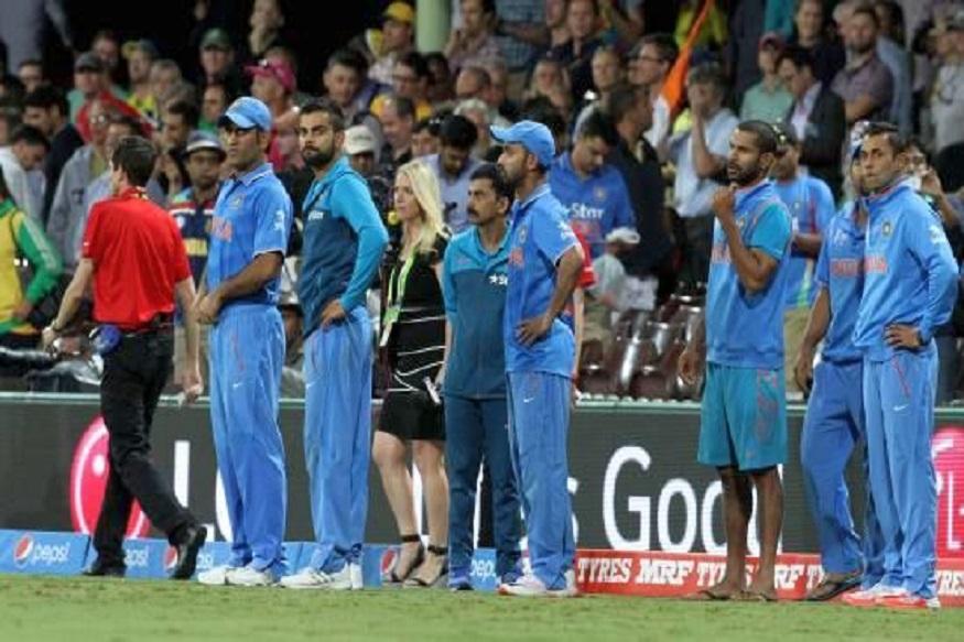 Ind Vs Pak : वर्ल्ड कपमध्ये भारत-पाकिस्तान सामना सुरु होण्याआधी चाहत्यांना मोठा धक्का