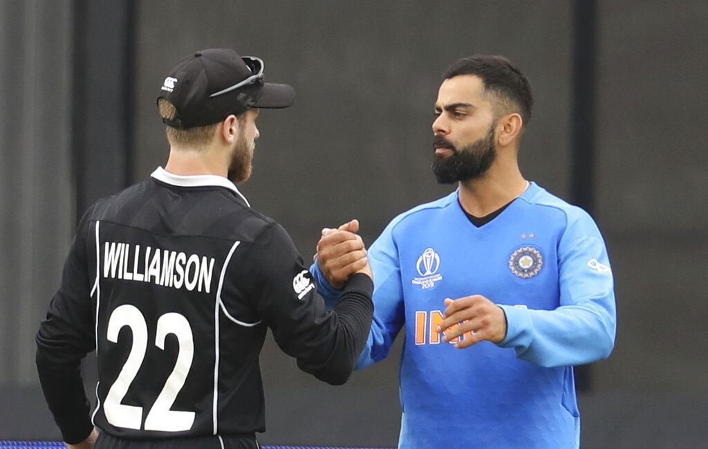 ICC Cricket World Cupमध्ये सुरुवातीपासून चांगली कामगिरी करणाऱ्या भारतीय संघाला सेमीफायनलमध्ये न्यूझीलंडनं धक्का दिला. सेमीफायनलमध्ये केलेल्या खराब कामगिरीमुळं भारतानं हा सामना 18 धावांनी गमावला. त्याचबरोबर भारताचे वर्ल्ड कपमधले आव्हान संपुष्टात आले आहे. मात्र, आयपीएल सारखे बदल आयसीसीनं केले असते तर, भारत फायनलमध्ये पोहचू शकला असता.