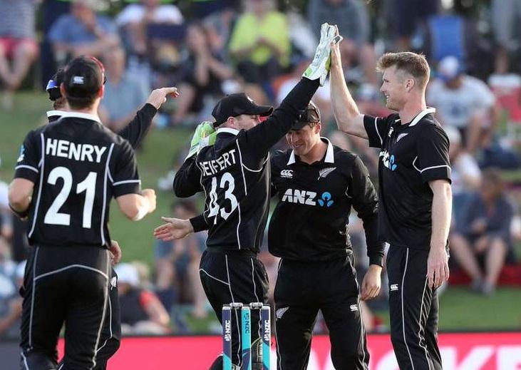 पाकिस्तान आणि न्यूझीलंड यांचे समान 11 गुण असूनही धावगतीच्या जोरावर न्यूझीलंडने बाजी मारत सेमीफायनलमध्ये प्रवेश मिळवला. त्यांचा सामना पहिल्या क्रमांकावरील संघाशी होणार आहे.
