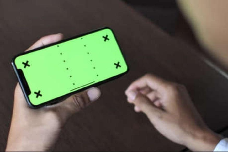 तुम्ही अॅप्स अपडेट ठेवलीत तर बॅटरी गरम होणार नाही. कारण अनेक अॅप्समध्ये असलेले बग फोनच्या सिस्टिमवर ताण वाढवतात. अपडेटमध्ये बग्स काढलेले असतात. त्यामुळं बॅटरी गरम होणार नाही.