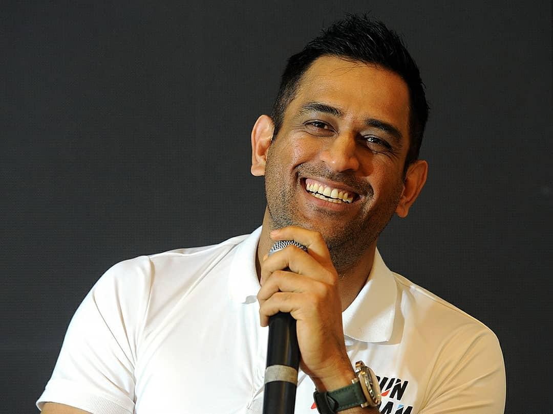 भारतीय क्रिकेट टीमचा माजी कर्णधार महेंद्रसिंग धोनीचा आज 38 वा वाढदिवस. करिअरच्या सुरुवातीतच्या काळात धोनी जेवढा मैदानात गाजला तेवढाच तो मैदानाच्या बाहेरही त्याच्या अफेअर्समुळे तेवढाच चर्चेत राहीला.