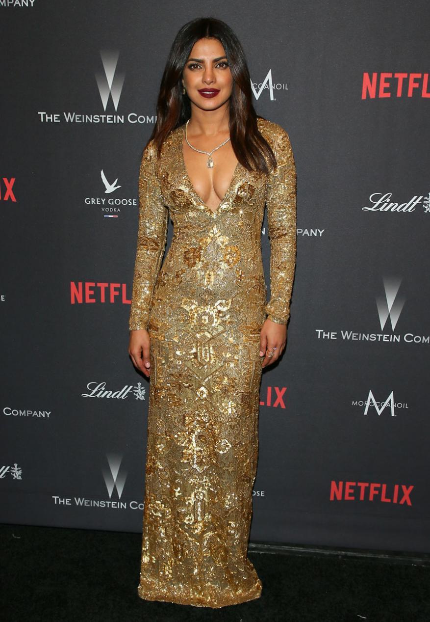 प्रियांका चोप्राचा Los Angeles, California येथे पार पडलेल्या The Weinstein Company and Netflix Golden Globe Party  मधील ग्लॅमरस लुक.
