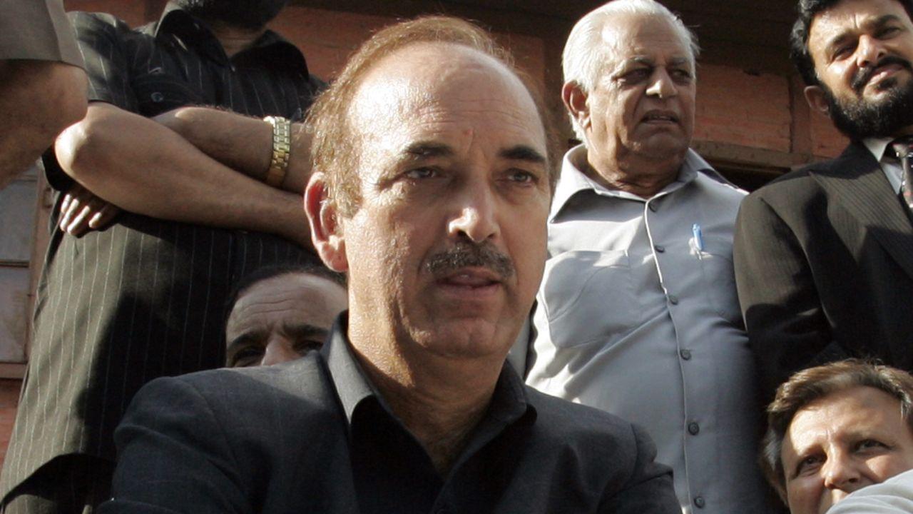 गुलाम नबी आझाद : माजी केंद्रीय मंत्री गुलाम नबी आझाद हे राज्यसभेचे विरोधी पक्षनेते आहेत.