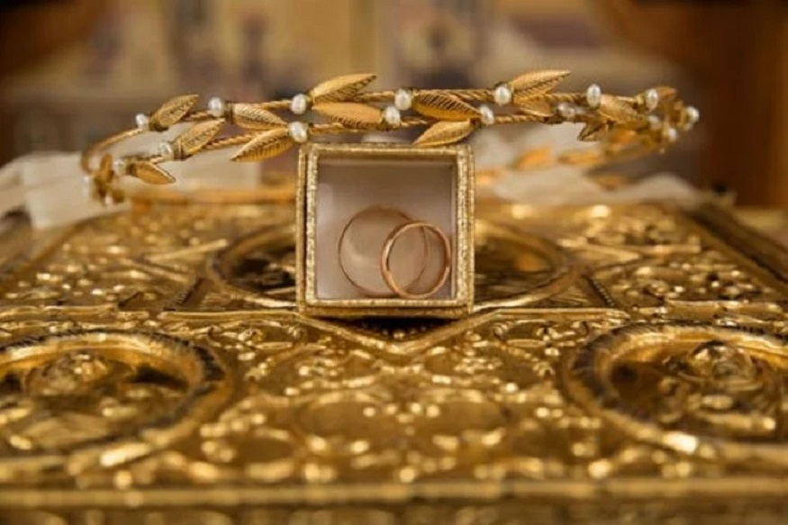 गिन्नी सोन्याची किंमत 100 रुपयांनी वाढलीय. आता ती आहे 27,800 प्रति 8 ग्रॅम.