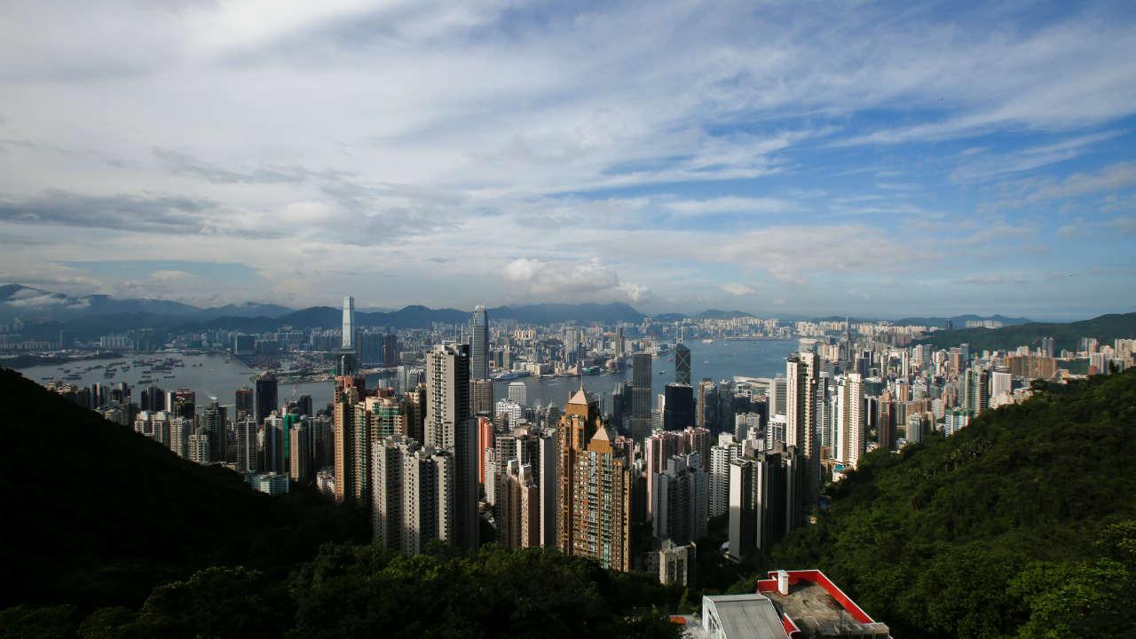 सध्याच्या चलनाच्या दरानुसार स्थलांतरितांसाठी जगातलं सगळ्यात महाग शहर आहे हाँगकाँग. ते या यादीत पहिल्या स्थानावर आहे. (फोटो : Reuters)