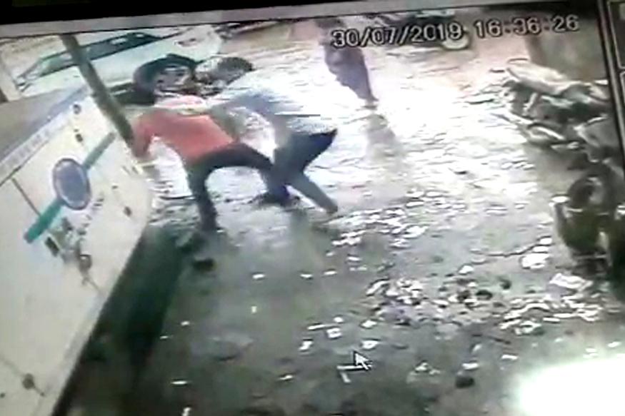भिवंडीत रुग्णाच्या नातेवाईकांचा राडा , दोन डॉक्टरांना मारहाण