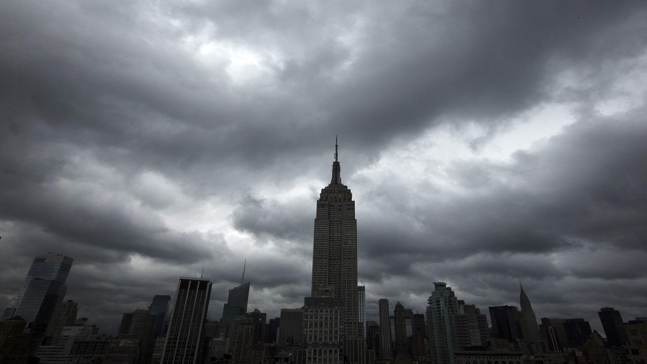 नंबर 7 - Midtown South-Manhattan  - न्यूयाॅर्कमध्ये असलेलं हे ठिकाण जगातलं सर्वात मोठं व्यावसायिक केंद्र आहे. इथे एम्पायर स्टेट बिल्डिंग, ब्राॅडवे, ग्रँड सेंट्रल टर्मिनल आणि युनायटेड सेंटरचं मुख्य ऑफिस आहे. इथल्या जागेची किंमत 11611.71 प्रति चौरस फुट आहे.  (Image Source: Reuters)