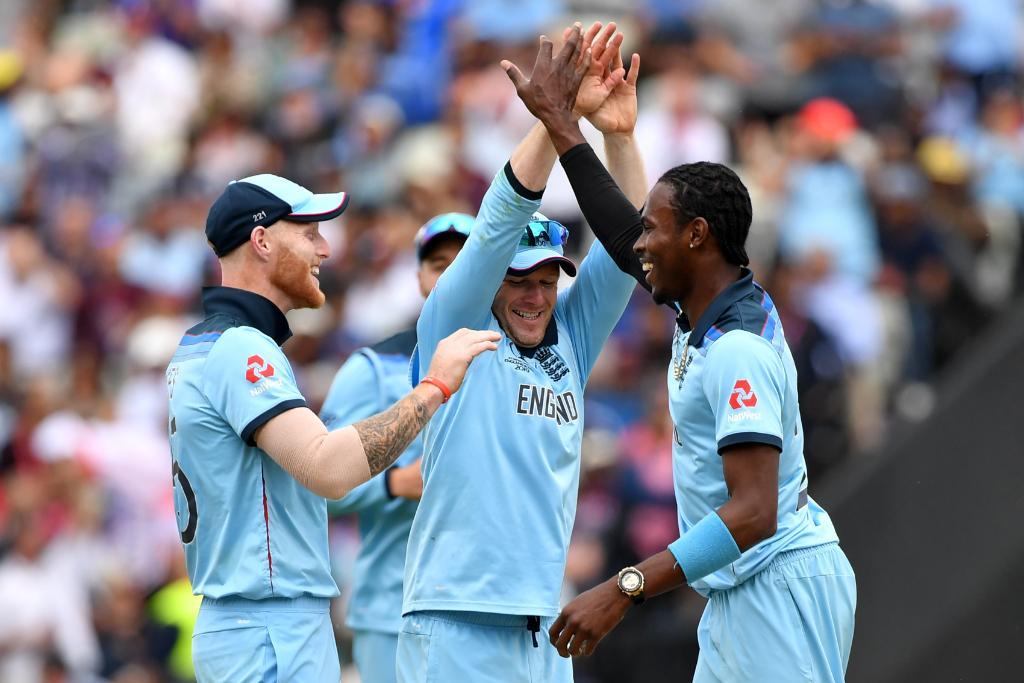 न्यूझीलंड आणि इंग्लंडच्या गोलंदाजांनी सामने गाजवले. दोन्ही संघांच्या वेगवान माऱ्यासमोर भारत आणि ऑस्ट्रेलियाला 50 षटकेसुद्धा खेळून काढता आली नाहीत.