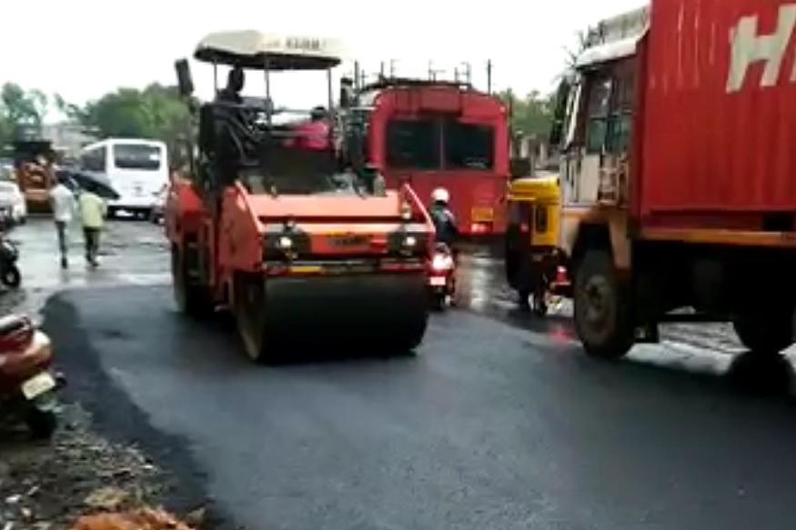 नितेश राणे यांनी राडा केलेल्या रस्त्याच्या दुरुस्तीला सुरुवात