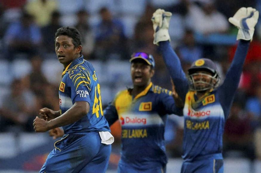 आंतरराष्ट्रीय क्रिकेट गाजवणाऱ्या 'मिस्ट्री' गोलंदाजानं घेतली निवृत्ती!