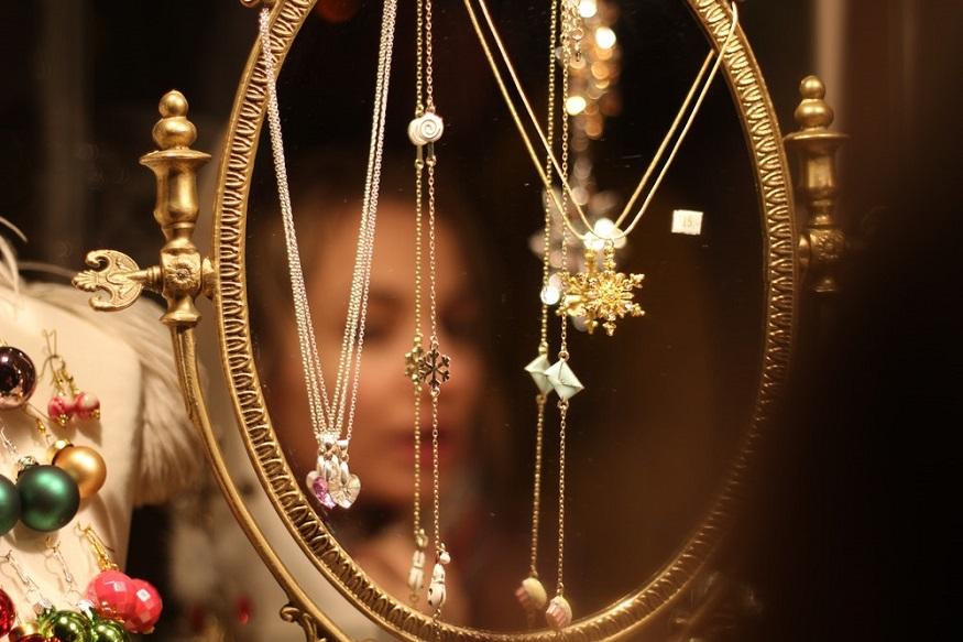 सोनं पुन्हा कडाडलं, चांदीही झाली महाग, 'हे' आहेत गुरुवारचे दर