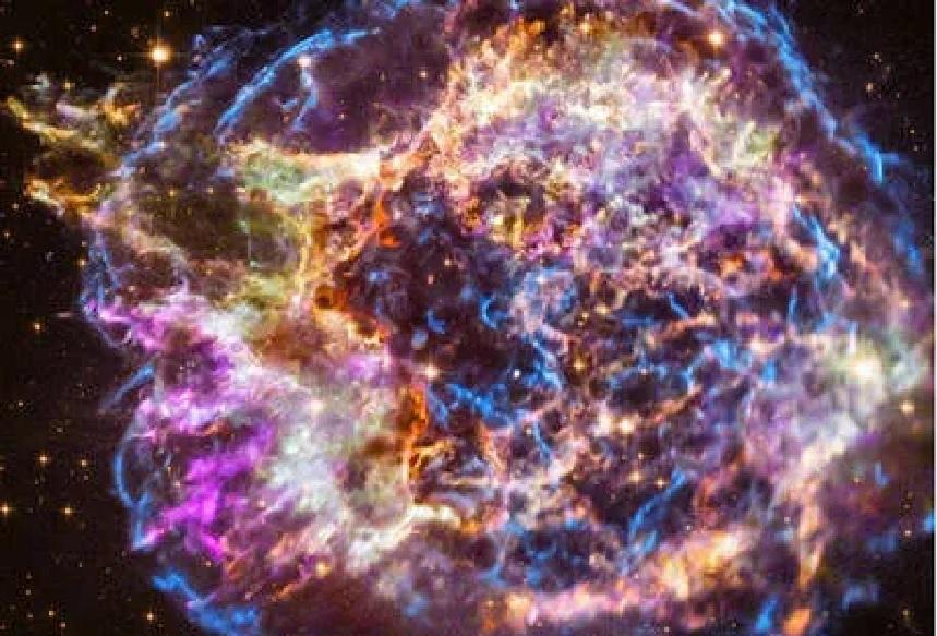 अवकाशात चमकणारी ही वस्तू आहे तरी काय? NASAने शेअर केलेला फोटो होतोय व्हायरल!