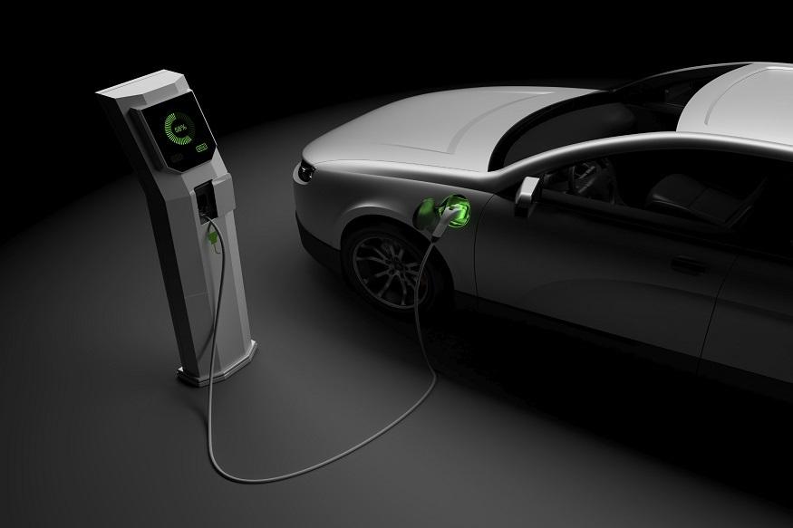 पेट्रोलला बाय बाय! एकदा चार्ज केल्यावर 200 किमी धावणार 'या' 3 गाड्या