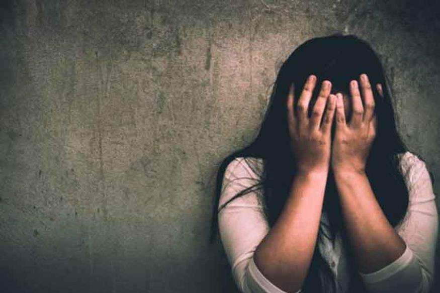महिला पोलीस अधिकाऱ्याचा विनयभंग, भाजप आमदारासह शहराध्यक्षावर गुन्हा
