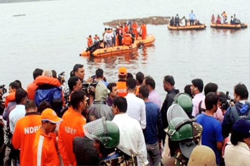 गोदावरी नदीत पर्यटकांची बोट बुडाली; 13 मृतदेह सापडले, 23 जण बेपत्ता