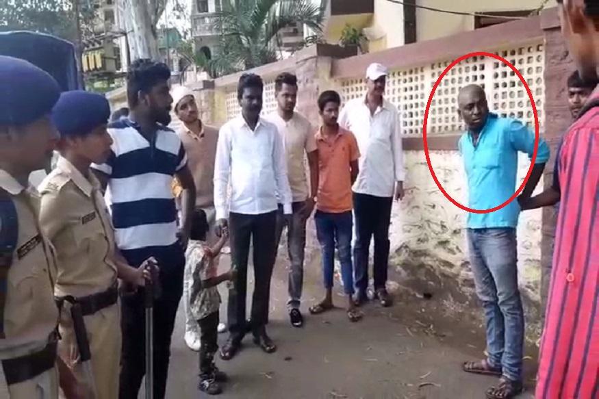 गर्दुल्या तरुणाने काढली छेड, महिला पोलिसांनी 'फिल्मी स्टाईल' पाठलाग करून दिला चोप