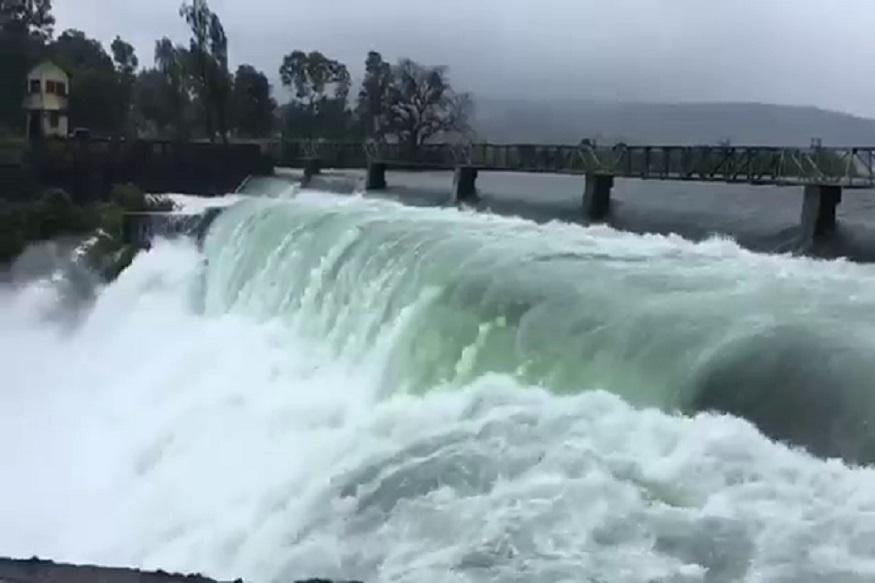 कोल्हापुरात पुन्हा मुसळधार! जिल्ह्यातील 75 बंधारे पाण्याखाली, स्थानिकांना सतर्कतेचा इशारा