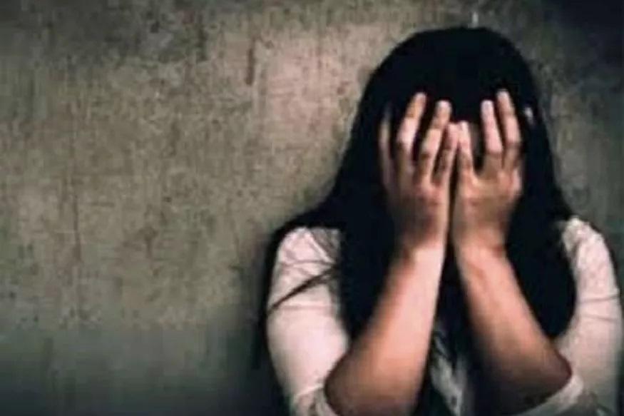 धक्कादायक! 12 वर्षांच्या मुलीवर 30 जणांकडून बलात्कार; वडिलांनी दिली नराधमांची साथ