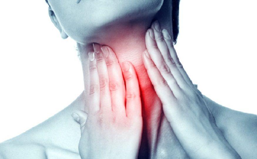 घसा सतत दुखतो का? एकदा हे घरगुती उपाय करून पाहा