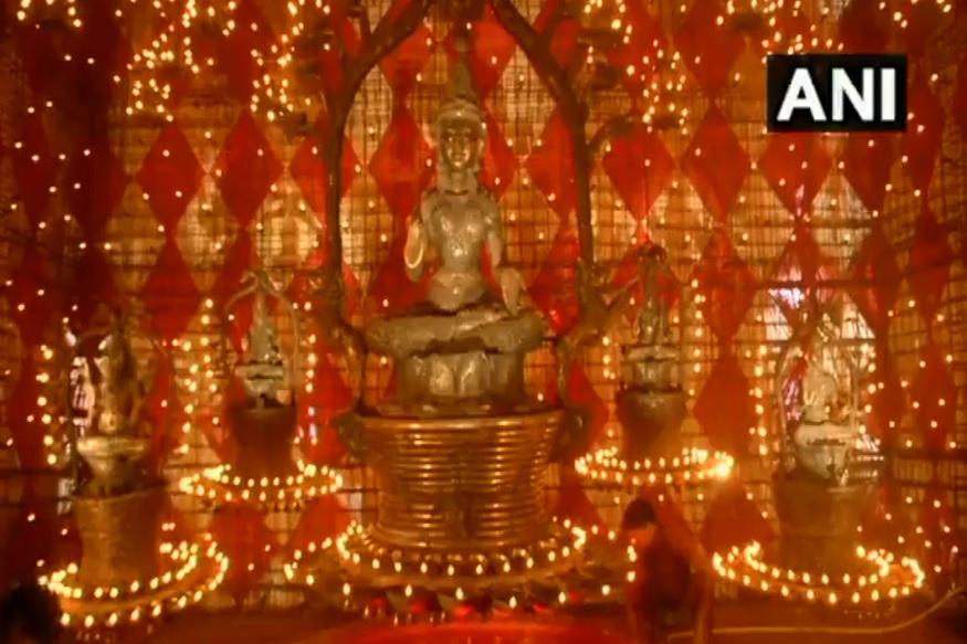 VIDEO : दुर्गा पूजा पंडालमध्ये अजान वाजल्यानं वाद, आयोजकांविरोधात तक्रार