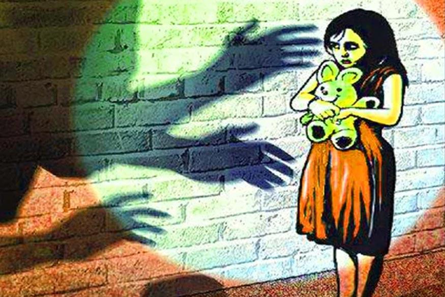 खाकी वर्दीत 'नराधम', 5 वर्षांच्या चिमुकलीवर पोलिसानेच केला बलात्कार