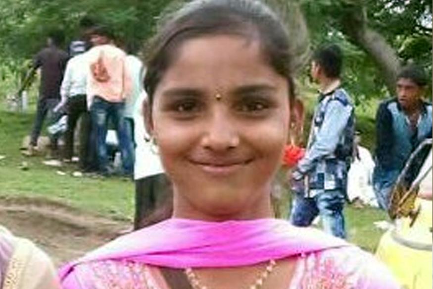 चिखलामुळे घसरला पाय, विहिरीत पडून 12 वीच्या विद्यार्थिनीचा मृत्यू