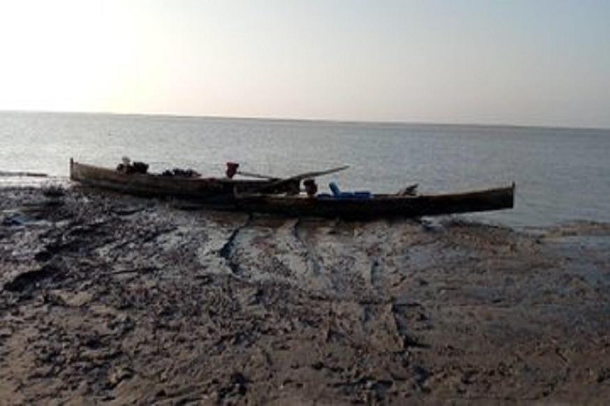 खळबळजनक! गुजरात सीमेजवळ सापडल्या पाकिस्तानी नौका; निवडणुकीपूर्वी दहशतवादी हल्ल्याचा धोका?