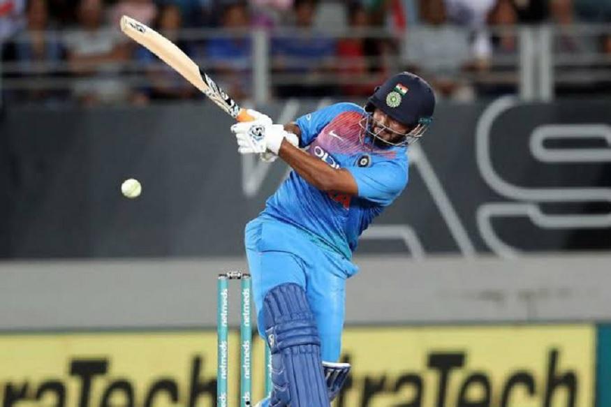 Happy Birthday Rishab Pant : गुरुद्वारात राहिला, सामन्यादरम्यान वडिलांना गमावलं पण क्रिकेट नाही सोडलं!