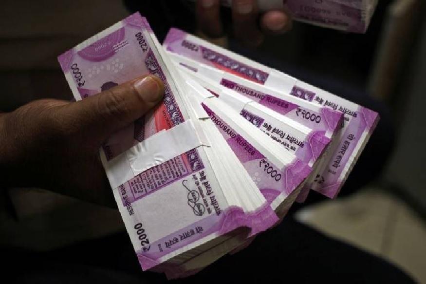 2 हजार रुपयांच्या नोटांची साठेबाजी रोखण्याचे मोदी सरकारचे प्रयत्न, या 5 गोष्टी करणार
