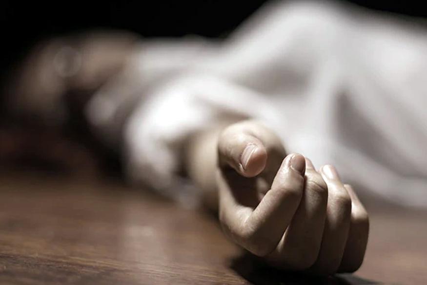 चारित्र्यावरून संशय.. मित्राच्या मदतीने पतीने केला पत्नीचा खून