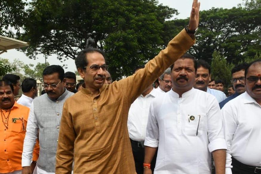 'आंदोलक झाले आता दाऊदवरचे गुन्हे महाराष्ट्र सरकार मागे घेईल'