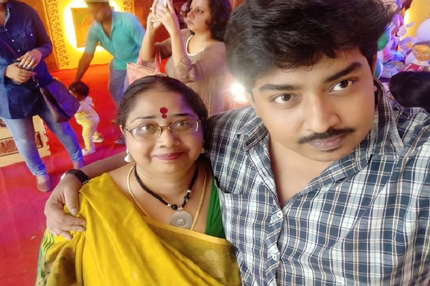 'आईसाठी योग्य जोडीदार पाहिजे'; मुलाची फेसबुक पोस्ट, नवरदेवासाठी ठेवली एक अट