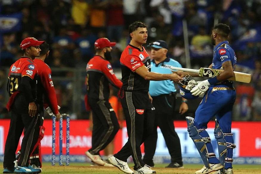 IPL लिलावाआधी बंगळुरू आणि मुंबई संघानं दिला दिग्गजांना डच्चू, 19 खेळाडू संघाबाहेर