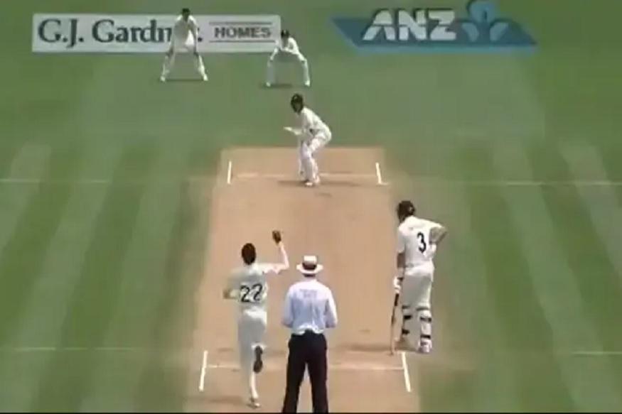 VIDEO : खेळाडूनं सोडला क्रिकेटमधला सर्वात सोपा कॅच, फलंदाजालाही विश्वास बसला नाही