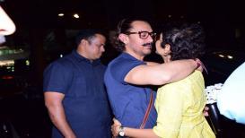 वाढदिवसाला आमिरचं मुंबईत आगमन, किरणनं केलं स्वागत