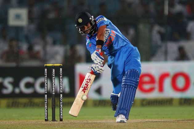 विराट एकदिवसीय क्रिकेटमध्ये 30 लाख, कसोटी सामन्यांत 50 लाख आणि आंतरराष्ट्रीय टी -20साठी 20 लाख रुपये घेतो.