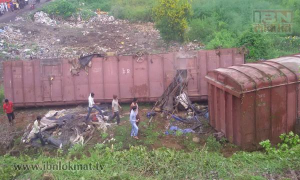 Chiplun railway accident2
