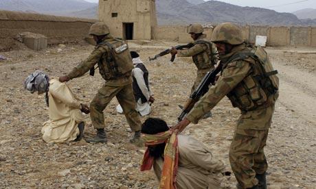 Pakistan-troops-in-Waziri-006