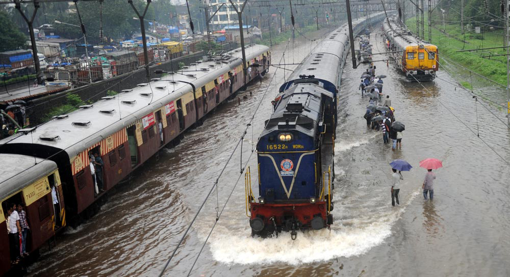 mumbai rain express train