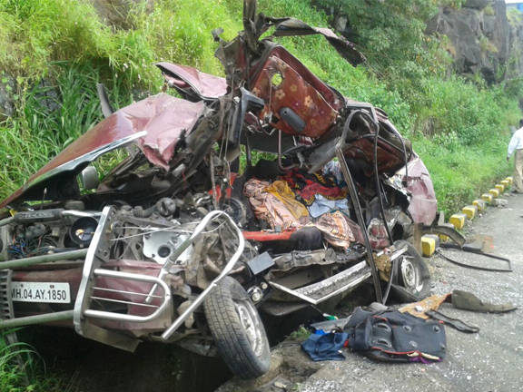 pune_express_car aacident34