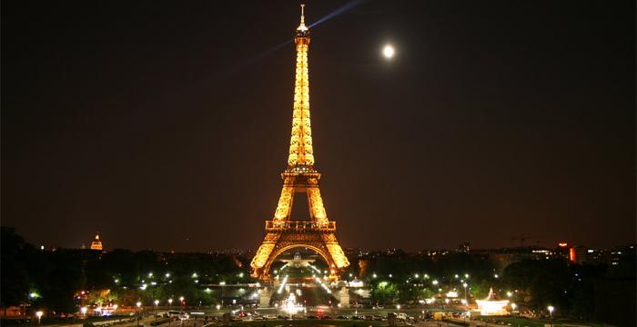 पॅरिसमध्ये पुन्हा उमलेल नवनिर्मितीचा अंकुर !
