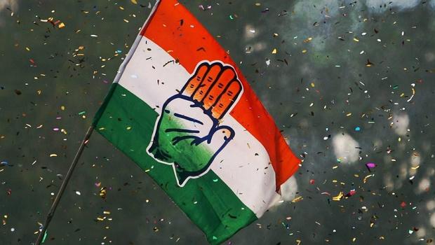 सिंधुदुर्ग काँग्रेस कार्यकारिणी बरखास्त, दत्ता सामंतांची जिल्हाध्यक्ष पदावरून हकालपट्टी