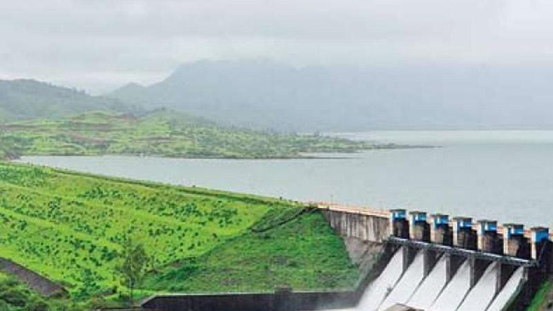 दुष्काळी कर्नाटकासाठी कोयनेतून पाणी सोडण्याचा सरकारचा निर्णय